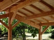 Extension bois – jardin – détail charpente